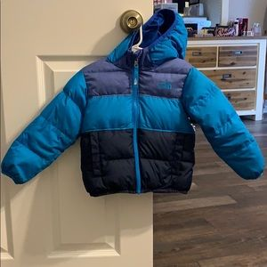 Size 3t north face reversible puffer coat
